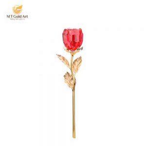 Hoa hồng cài áo
